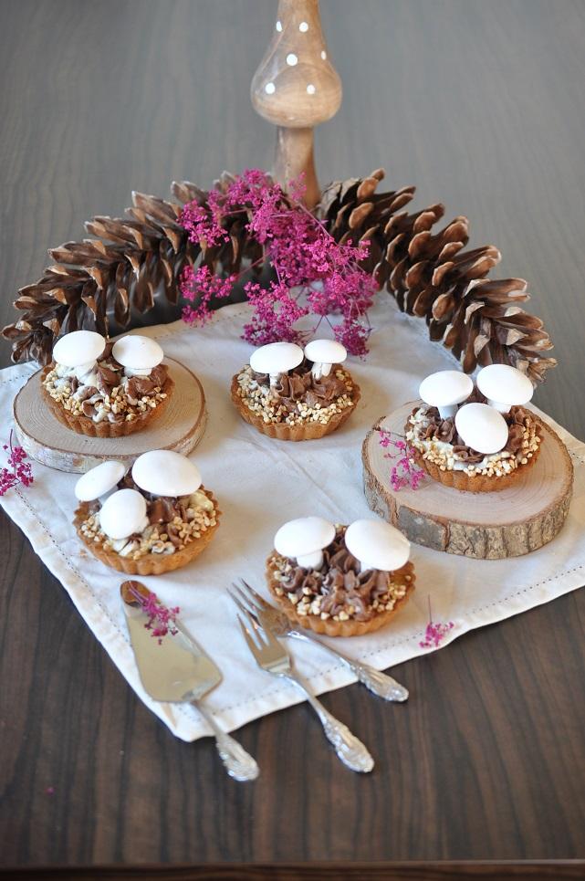 caketime by tamaris schoko marzipan tartelettes mit meringue pilze. Black Bedroom Furniture Sets. Home Design Ideas