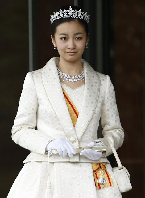 Princess Kako of Akishino bows toward reporters after attending her 20th birthday celebratory