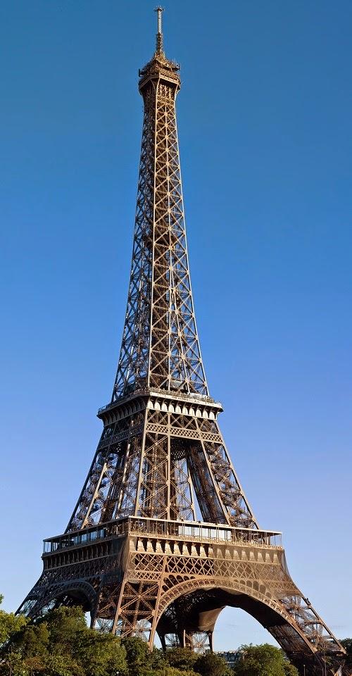 Arte semplice e poi la torre eiffel una sfida per l for Architettura a parigi