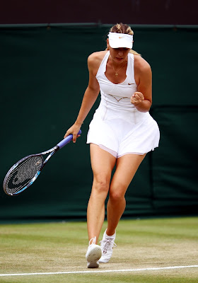 Maria Sharapova stops 17-year-old Robson at Wimbledon