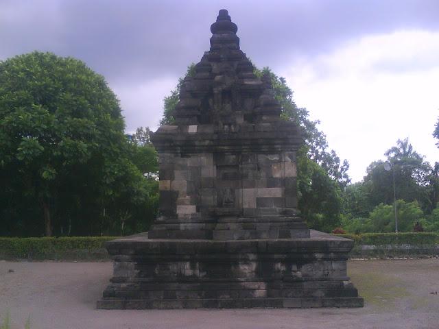 Cagar Budaya Candi Gebang Yogyakarta