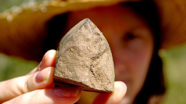 New find challenges 'simple' Australian artefacts assumption