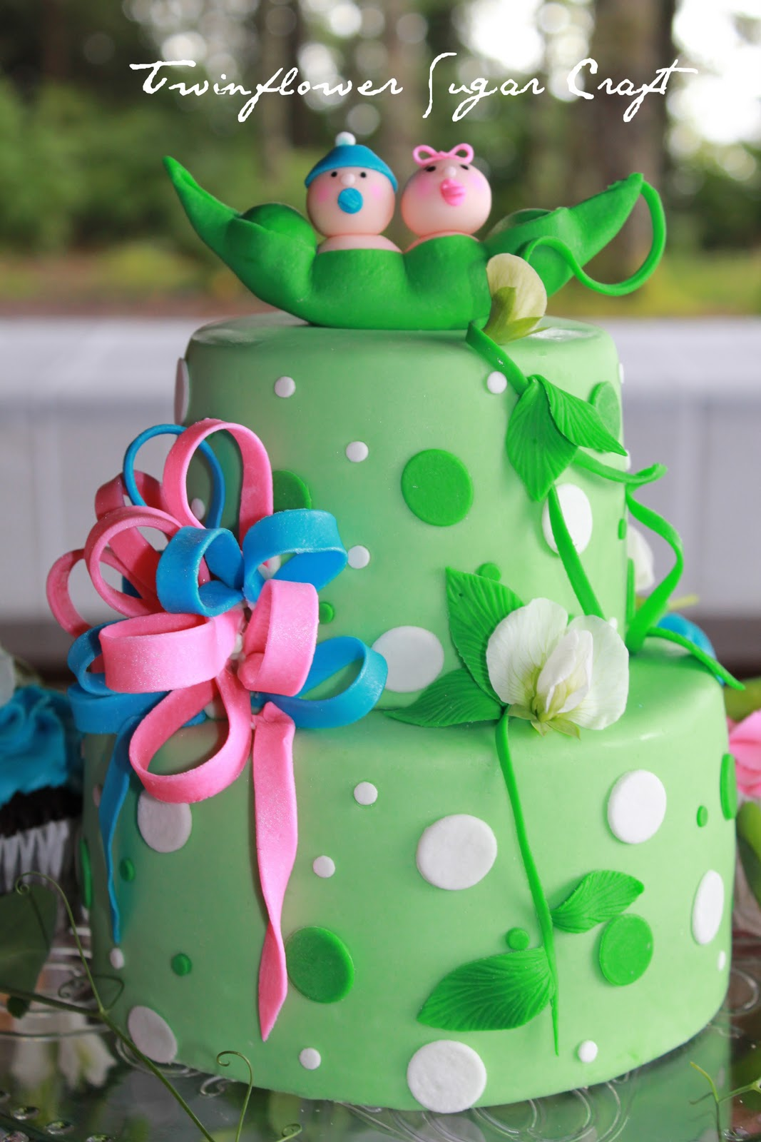 baby shower cake for twins two peas in a pod