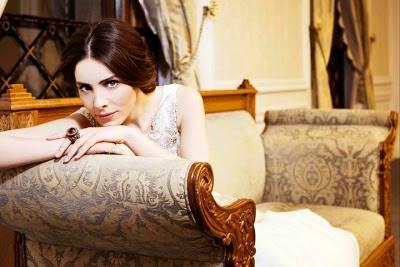 Profil Asiye Nur Fettahoglu sebagai Mahidevran dalam King Suleiman