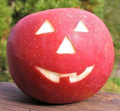 Jack o'lantern apple