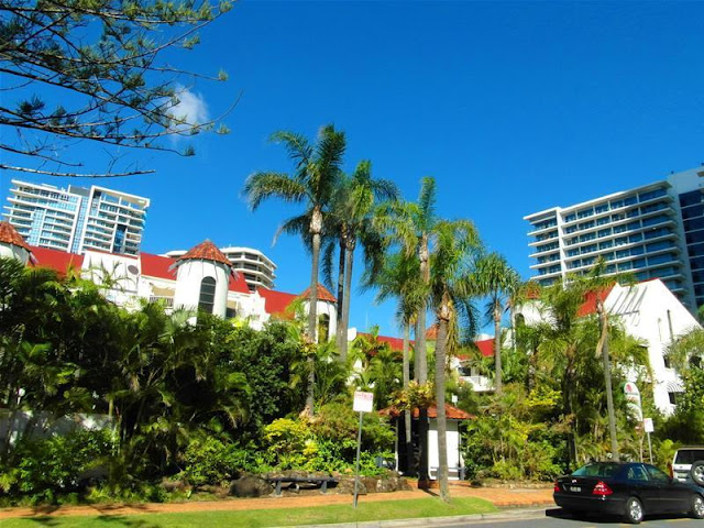 Copacabana Apartment Hotel di Surfers Paradise