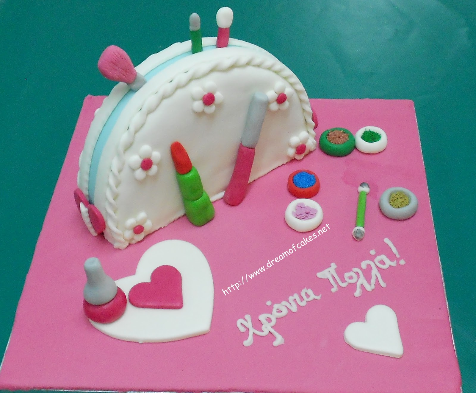 Makeup Kit Cake Design : Dream of Cakes: Makeup Kit Birthday Cakes (Giveaway)