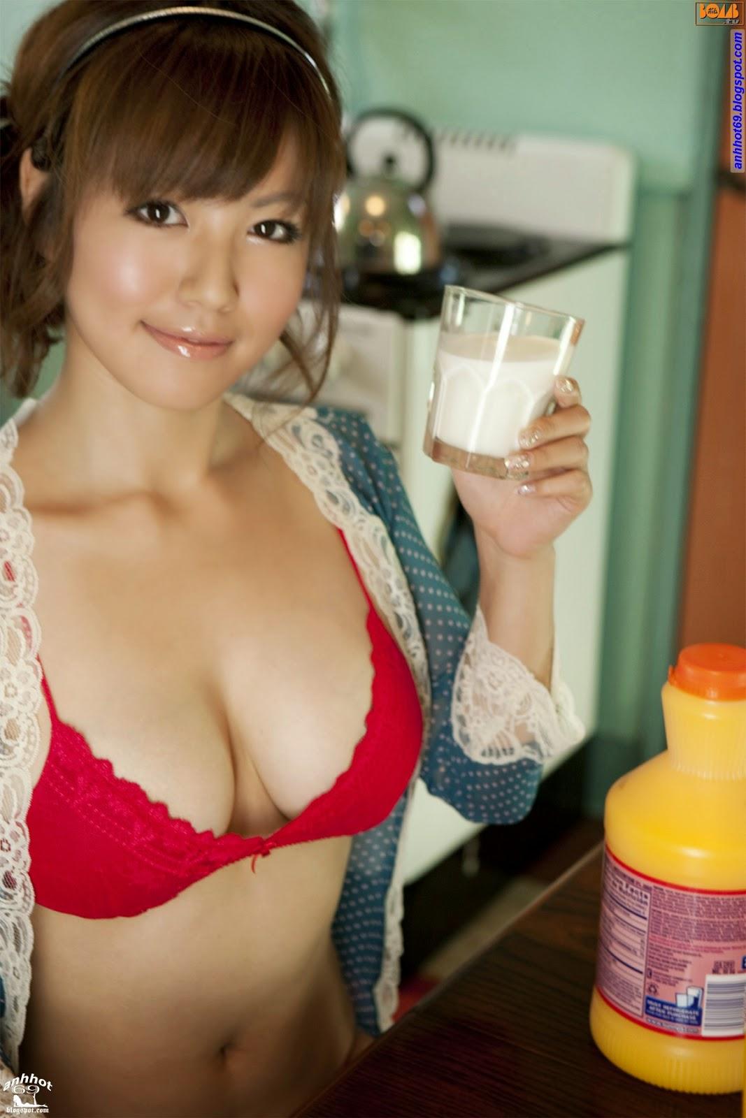 sayaka-isoyama-00600126