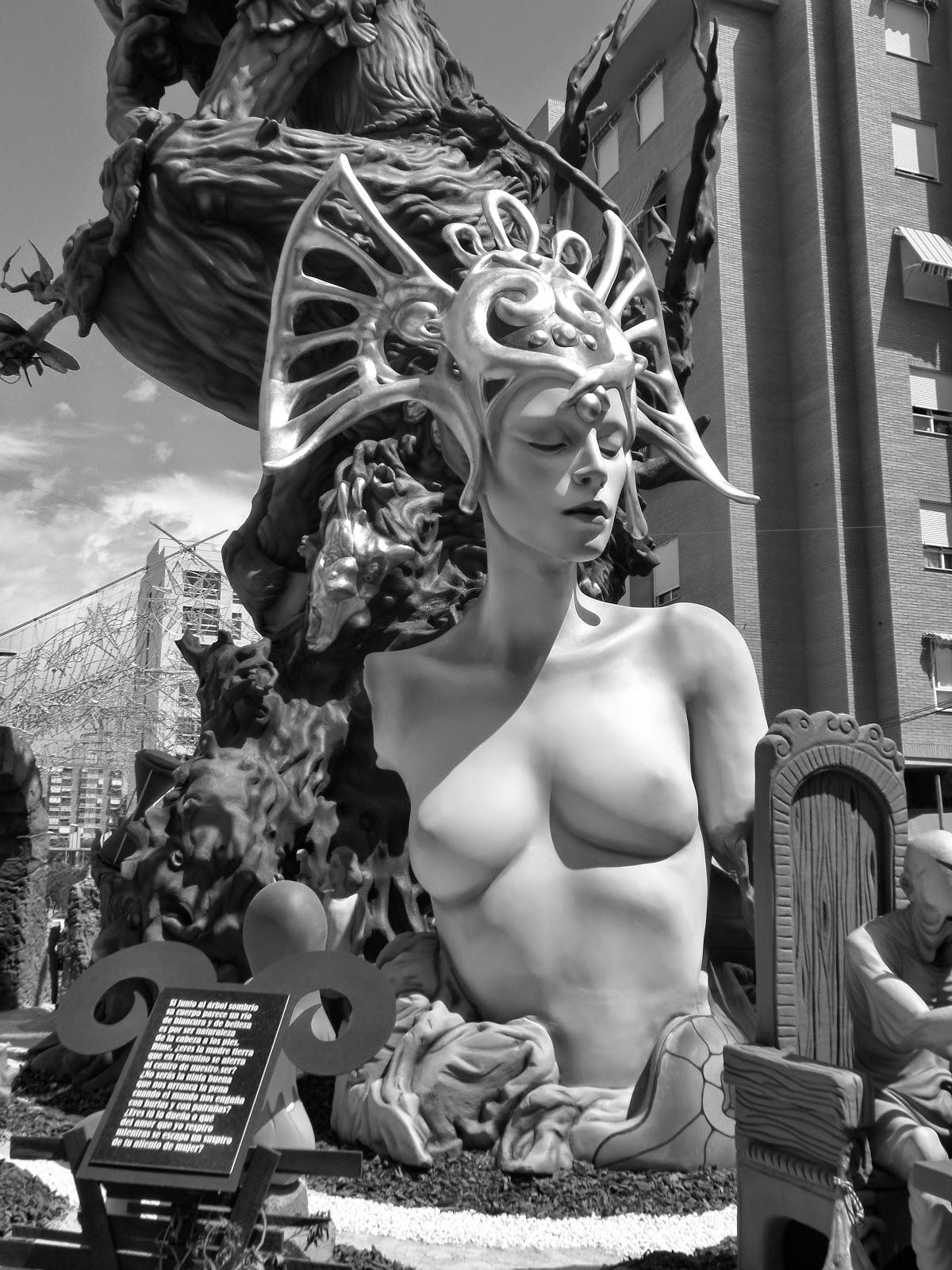 El Blog de María Serralba.- EL ORIGEN DE LAS HOGUERAS