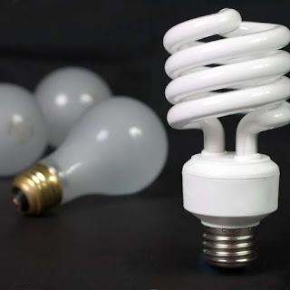 As lâmpadas incandescentes devem sair do mercado até 2016. Mas por que devemos trocá-las por lâmpadas frias?
