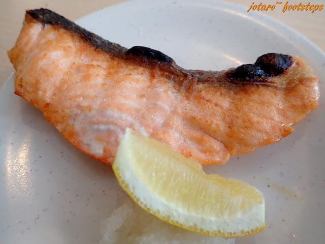 Salmon Shioyaki - pan-fried salmon, not too bad, tasty and juicy.