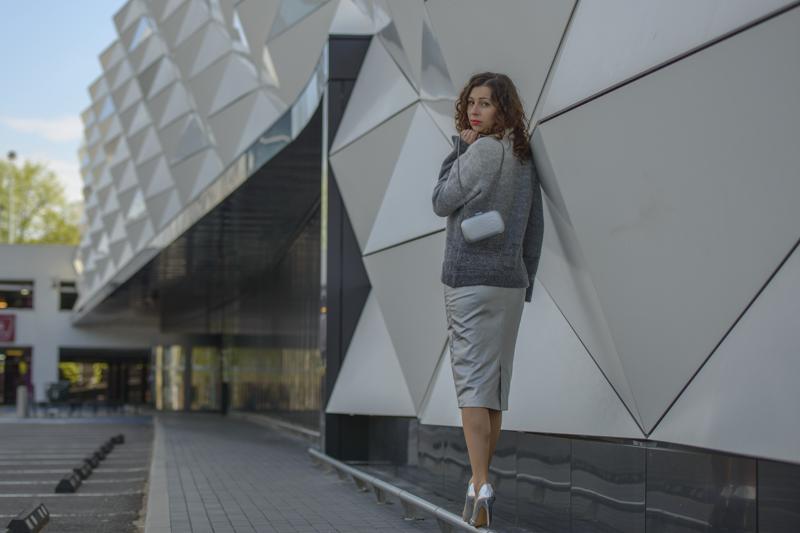 srebrna spódnica mohito stylizacja