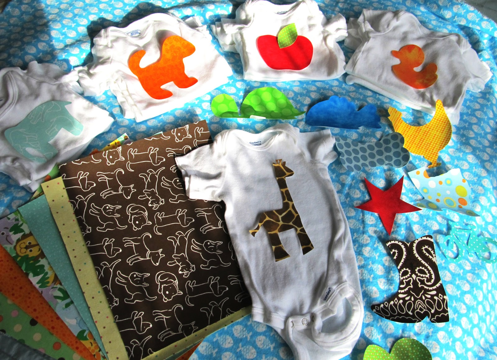 Binge Crafter: Baby Shower Craft  Onesie Making Kits with Ironon  1600 x 1159