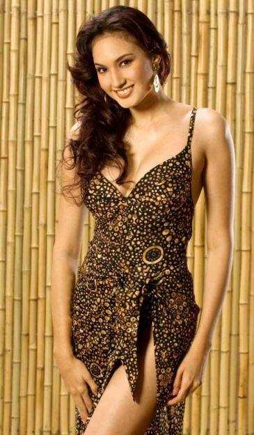 Foto-foto Hot & Seksi Nadine Chandrawinata