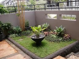 membuat taman di depan rumah