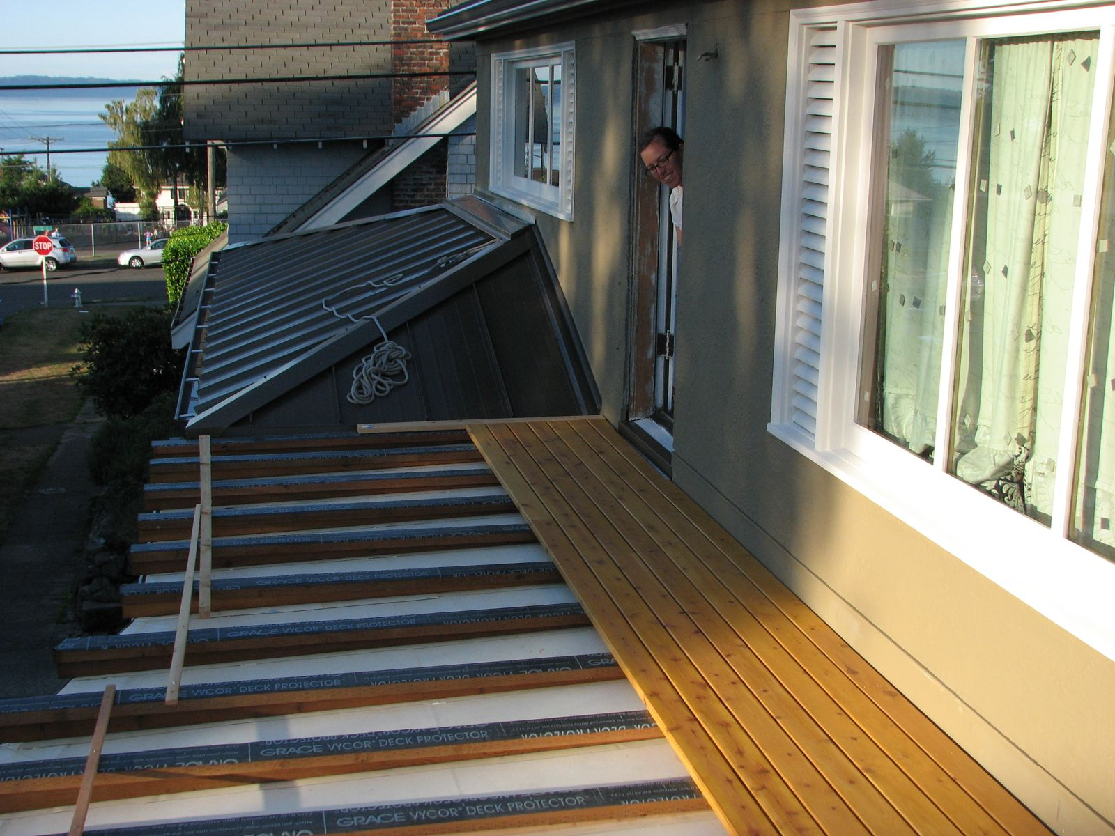 Balcony part ii or wood deck over epdm deck on sleepers for Balcony on roof