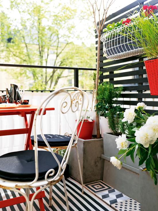Petite scandinavian balcony by Pernilla Hed via Elle Interiör