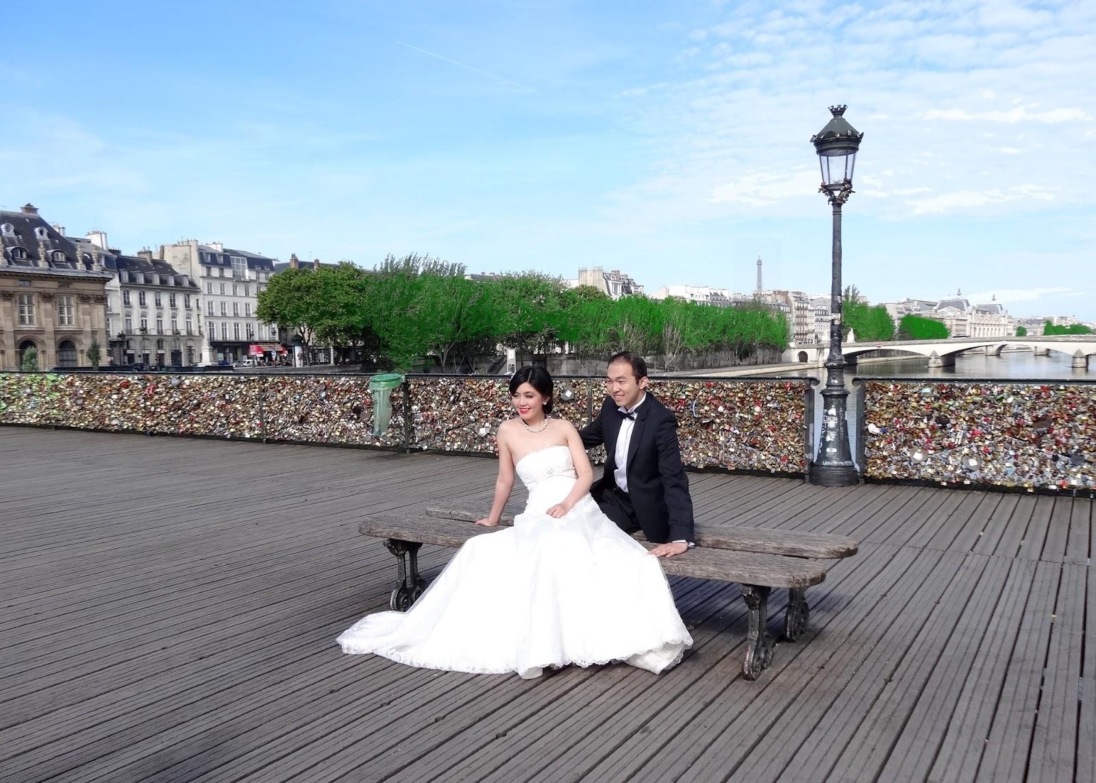 Sur le pont des arts - Pont des cadenas paris adresse ...