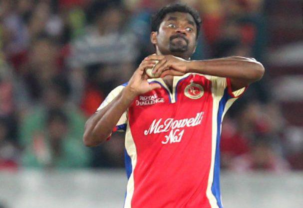 Muttiah-Muralitharan-SRH-vs-RCB-IPL-2013
