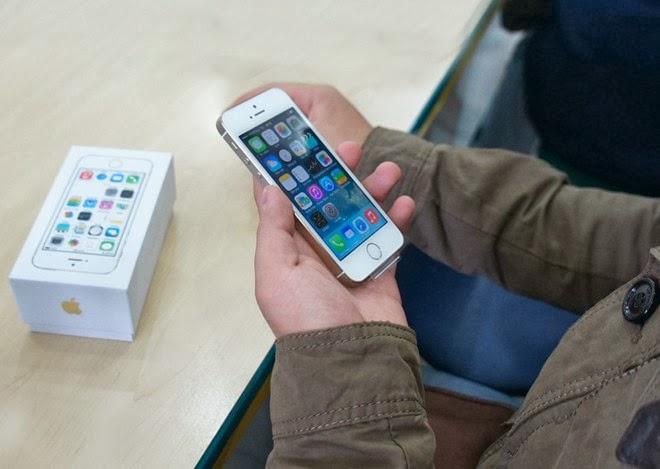 Ít người mua Iphone 5S đã đứng giá