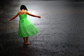 Girl In Rain Wallpaper