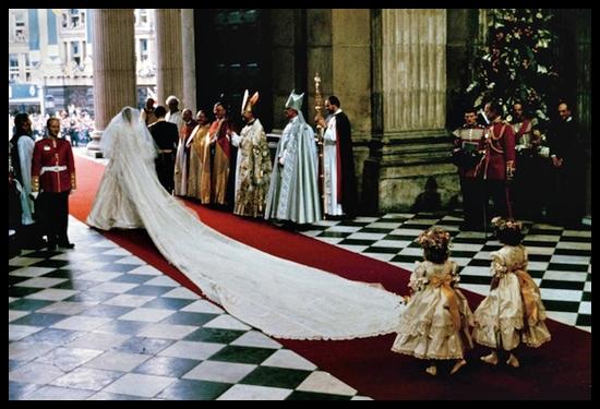 princess diana wedding dress tour. Princess Diana#39;s wedding dress