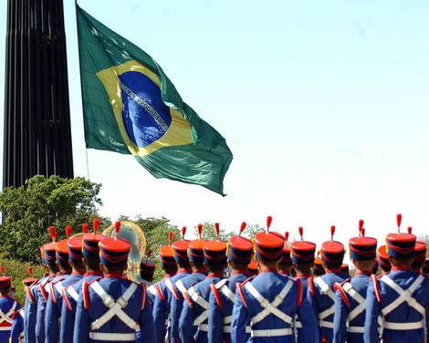 Troca_da_bandeira_na_Pra%252525C3%252525