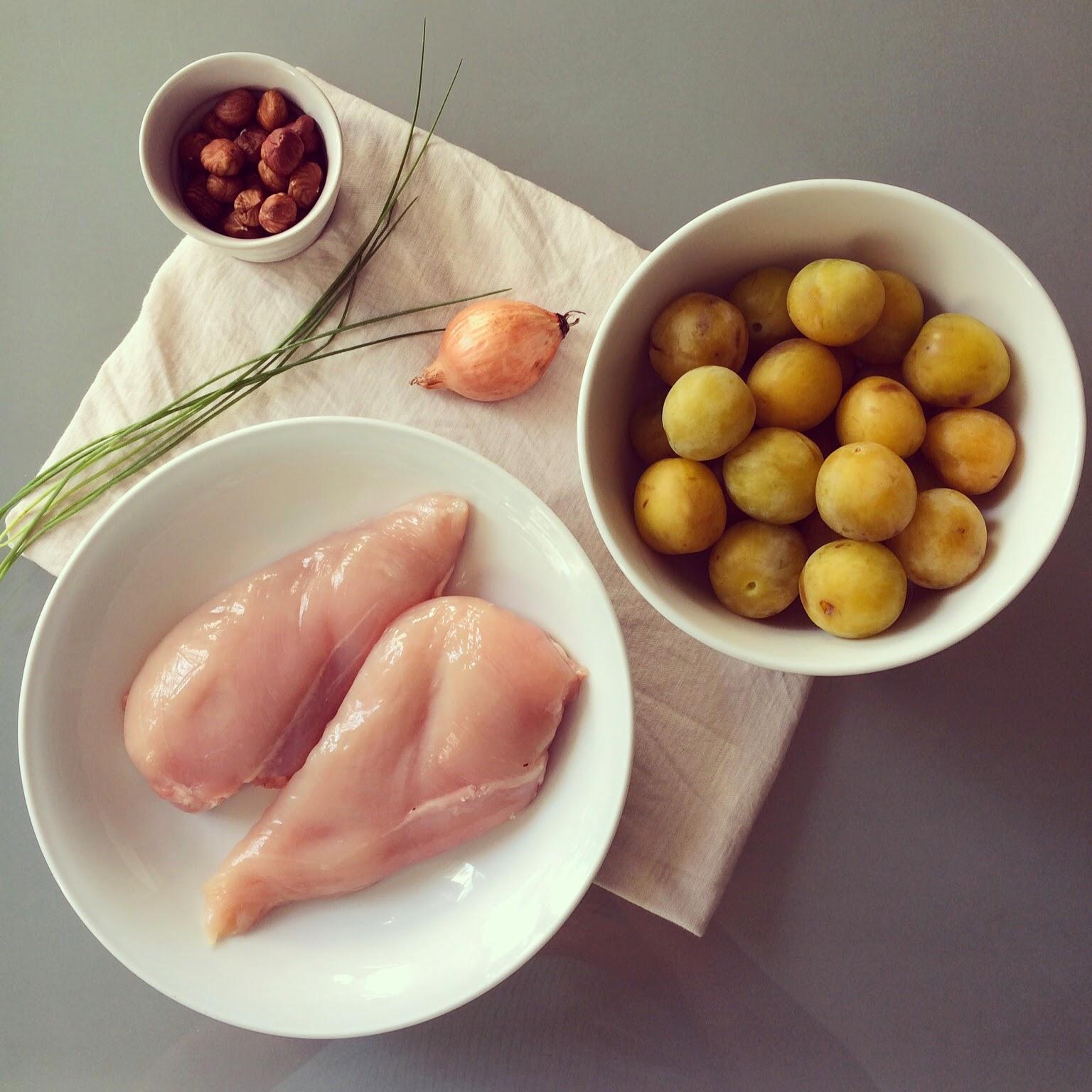 émincé poulet prunes jaunes noisettes