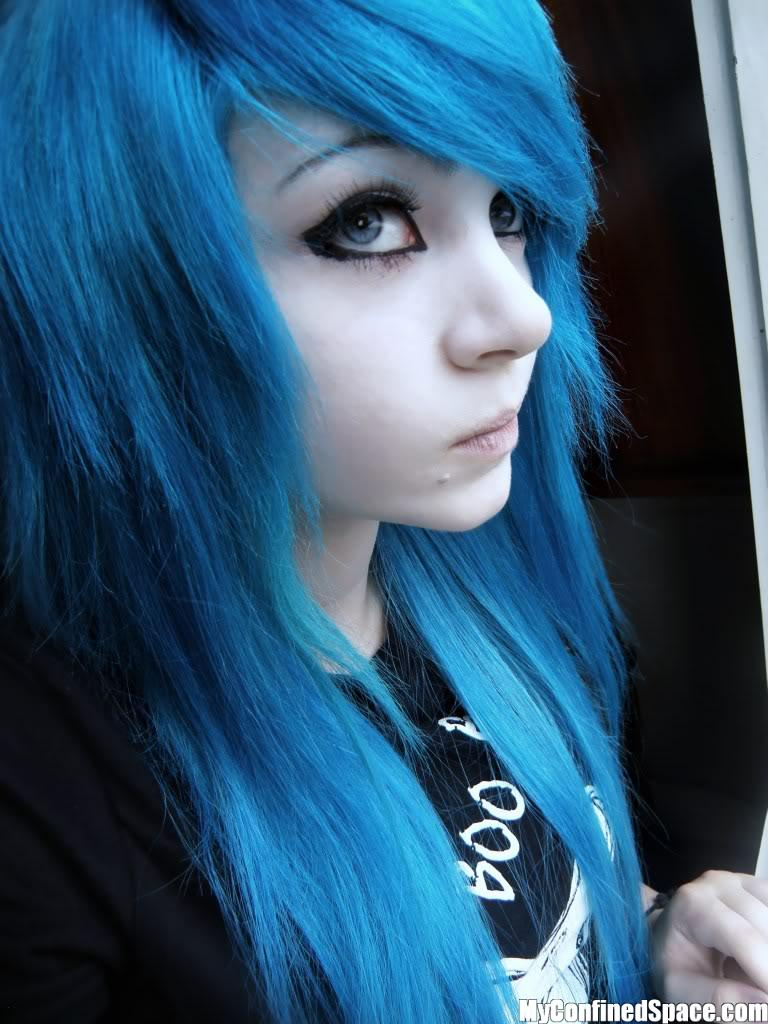 Emo Lifestyle: Emo Girls  Blue Hair - Curly Boy Hairstyles