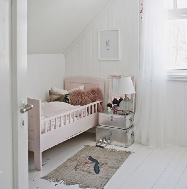 Baules como mesita de luz puerta al surpuerta al sur - Baules para dormitorios ...