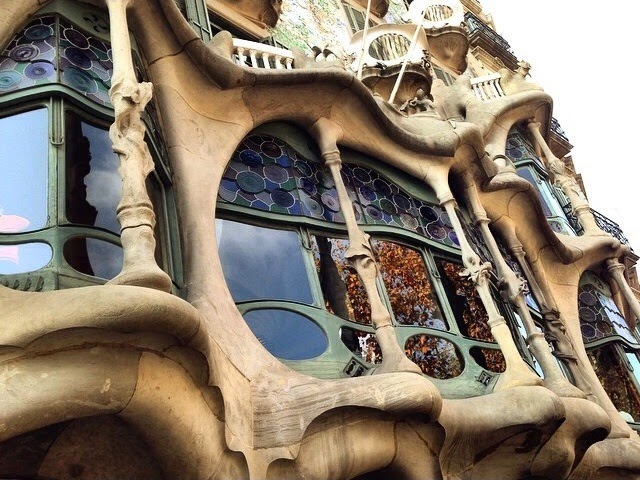 casa batllo exterior arte barcelona gaudí edificio modernista