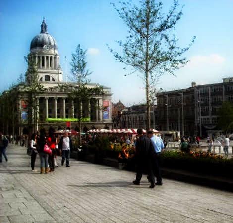 Old Market Square y Ayuntamiento