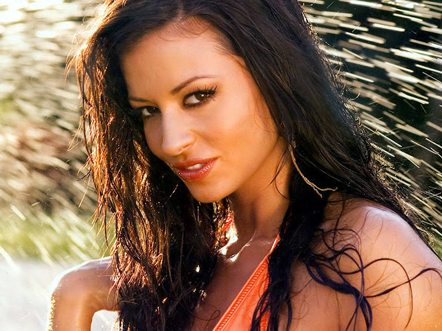 Hot Pictures of Candice Michelle