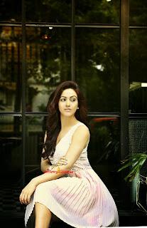 Aksha Pardasany 4.jpg