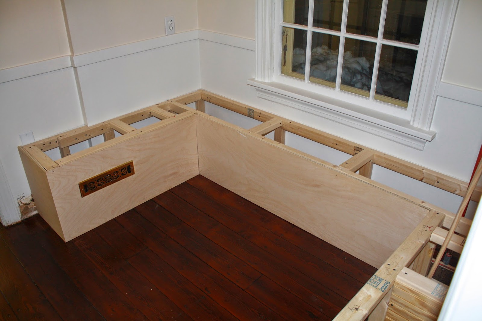 Breakfast Nook Bench Plans | Breakfast Bench Plans
