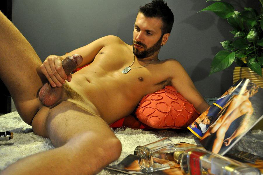 attivo gay escort masculino