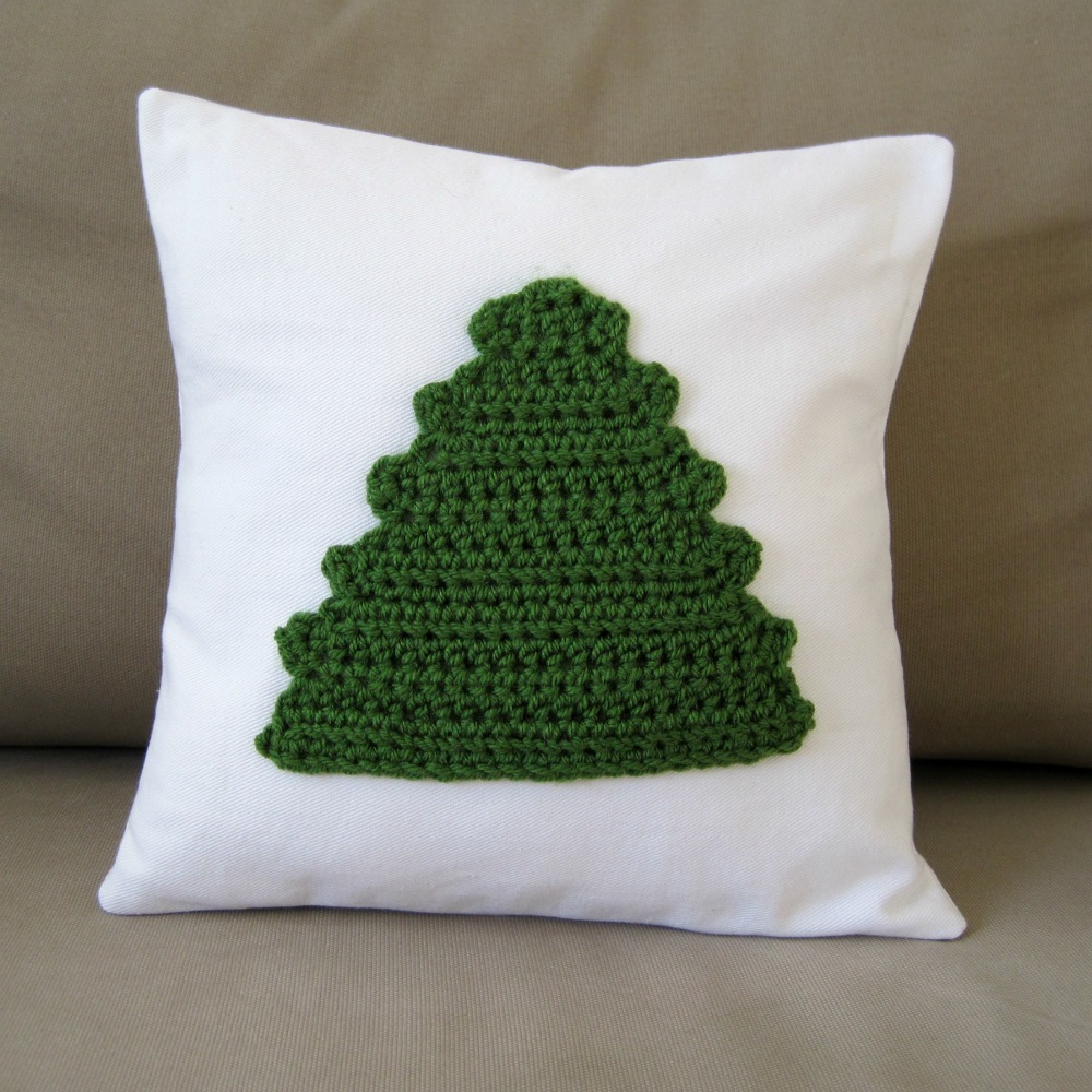 Crochet Christmas Decor + Free Crochet Tree Pillow pattern | She's Got the Notion