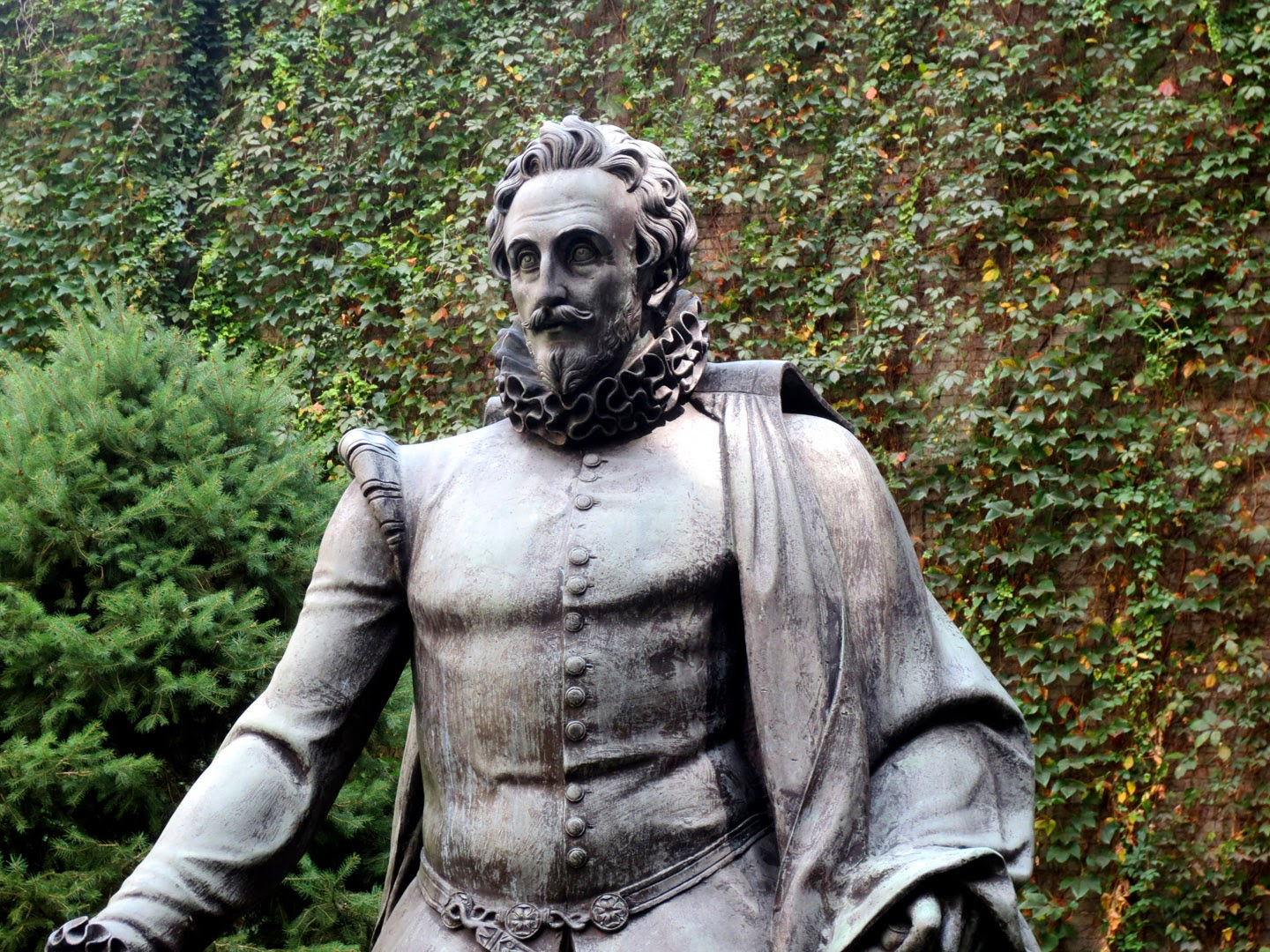 Big Apple Secrets: Miguel Cervantes: Statues in New York and Madrid