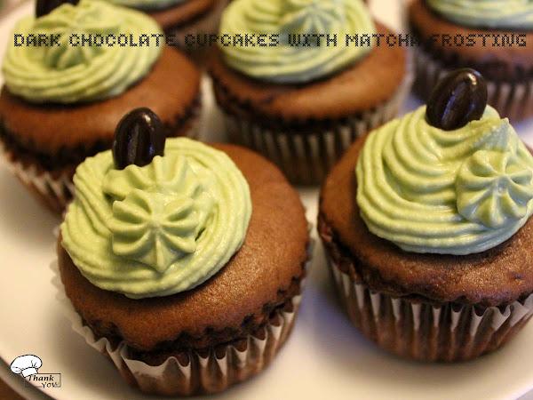 Dark Chocolate Cupcakes mit Matcha-Frosting ♥