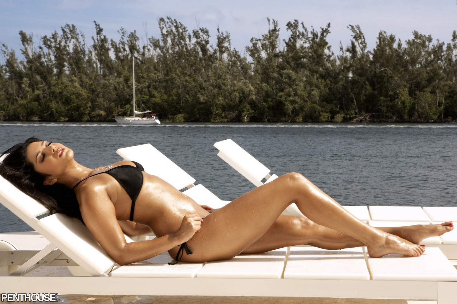 Tabu fake nude photo