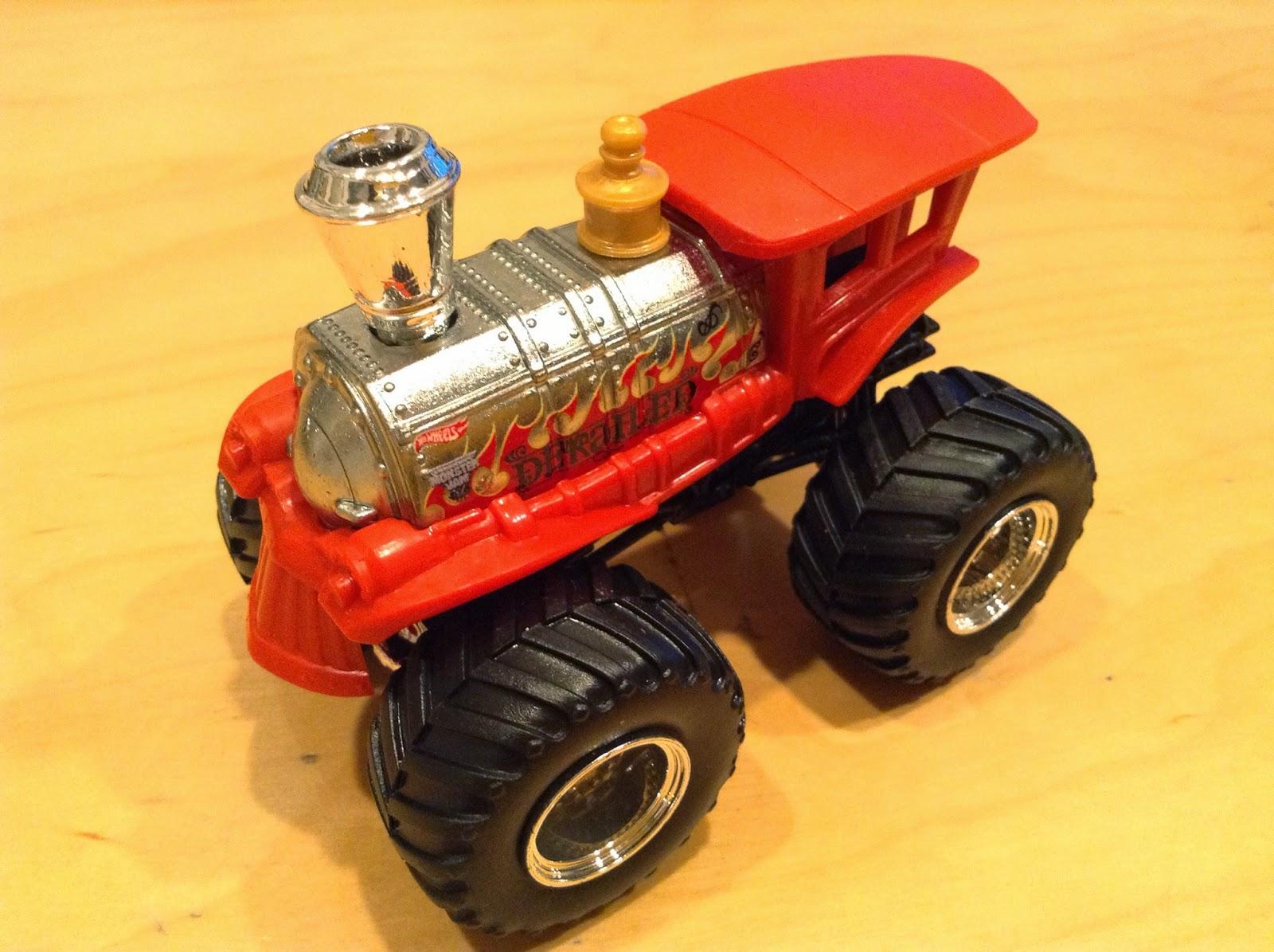 julian 39 s hot wheels blog derailed monster jam truck. Black Bedroom Furniture Sets. Home Design Ideas