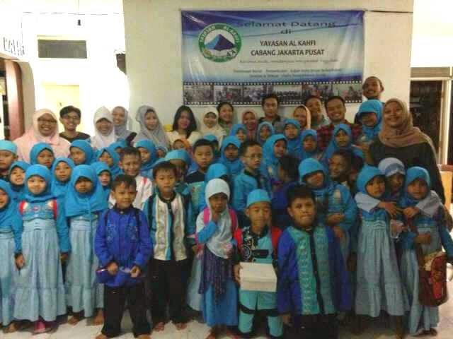 Roti Cane caneSia dan KS Unpad 2007 di Yayasan Al-Kahfi Cabang Jakarta Pusat