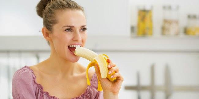 Kesehatan : Wanita Makan Pisang Bisa Mencegah Stroke