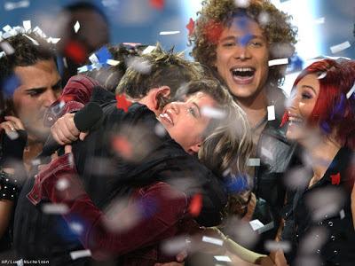 Kelly Clarkson winning American Idol