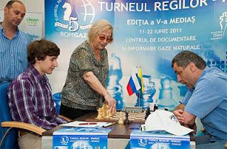 Echecs en Roumanie : Sergey Karjakin (2776) 1-0 Vassily Ivanchuk (2776) - ronde 9 © ChessBase
