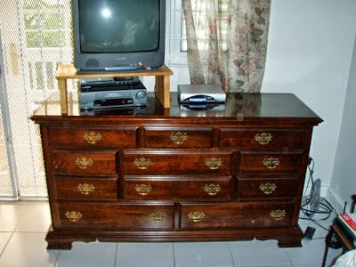 Charmant Again I Want To Reiterate That This Is Not The Actual Before, Just A  Similar Bassett Dresser From About The Same Period.