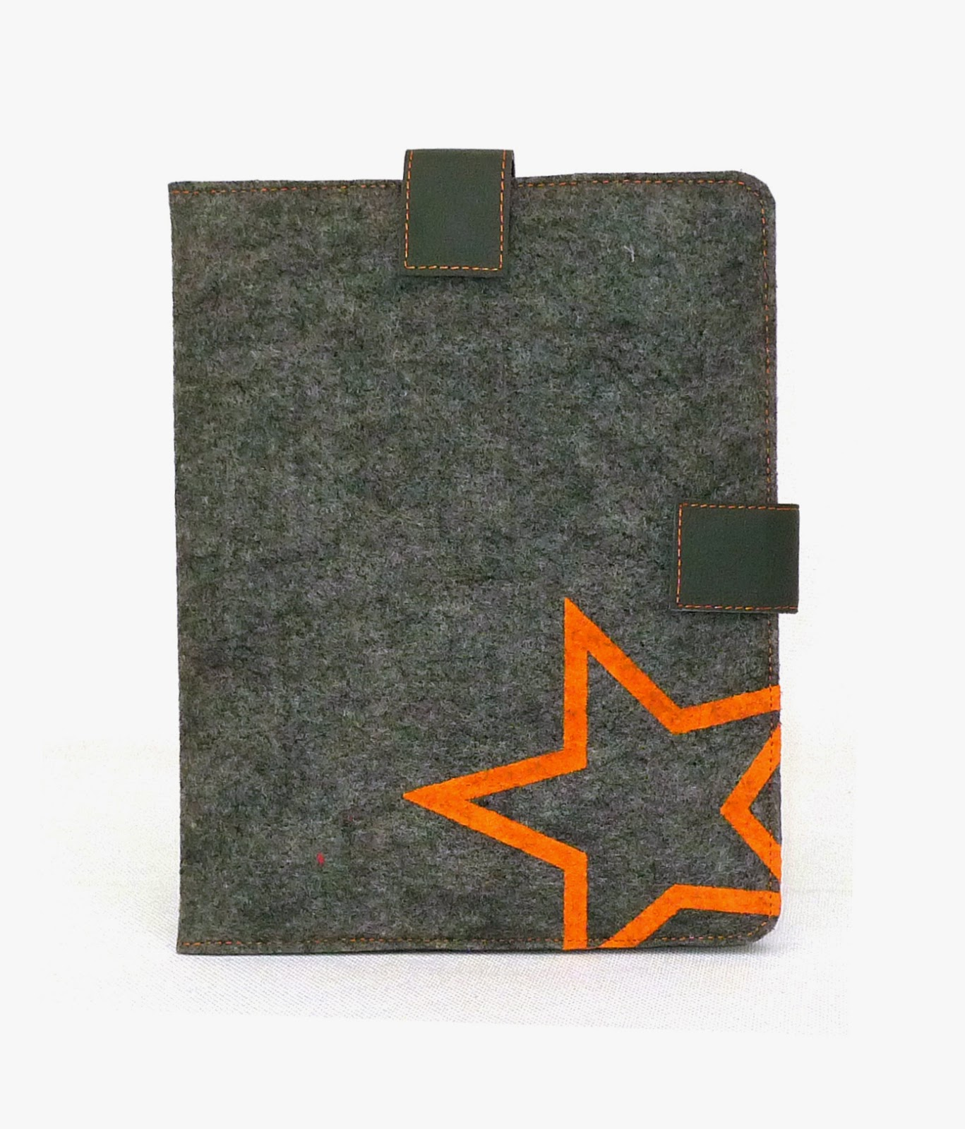 http://hipandblizz.nl/index.php/default/ipad-sleeve-grijs-oranje-gerecycled-fair.html