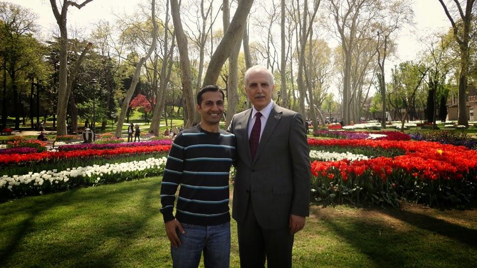 صورتي مع رئيس بلدية إسطنبول