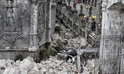 Edificios calapsados en sismo en Filipinas, 15 de Octubre 2013