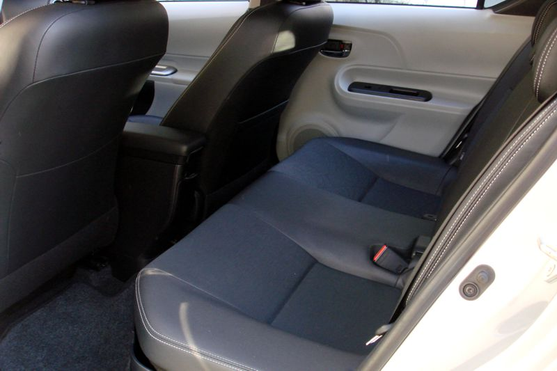 review 2012 toyota prius and 2012 toyota prius c. Black Bedroom Furniture Sets. Home Design Ideas